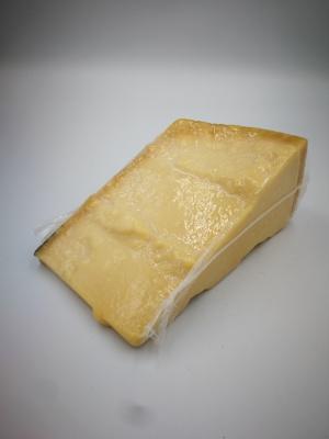 Govs piena siers Parmigiano Reggiano